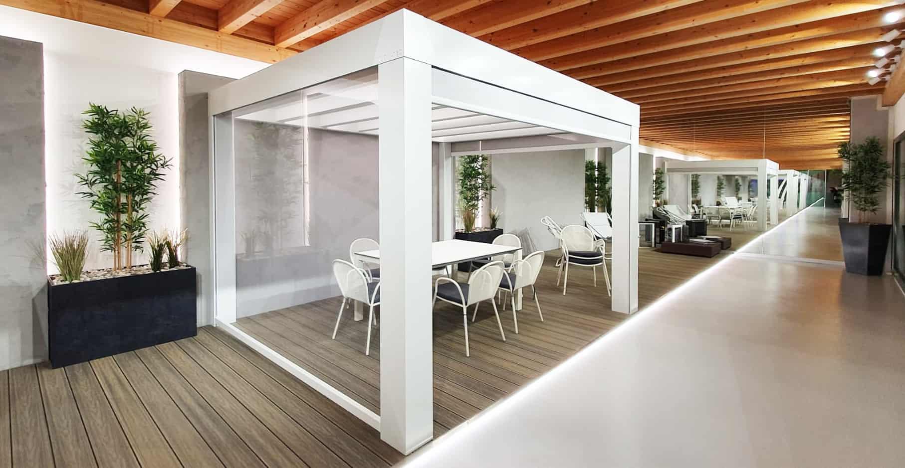 Innovatec Design showroom pergola